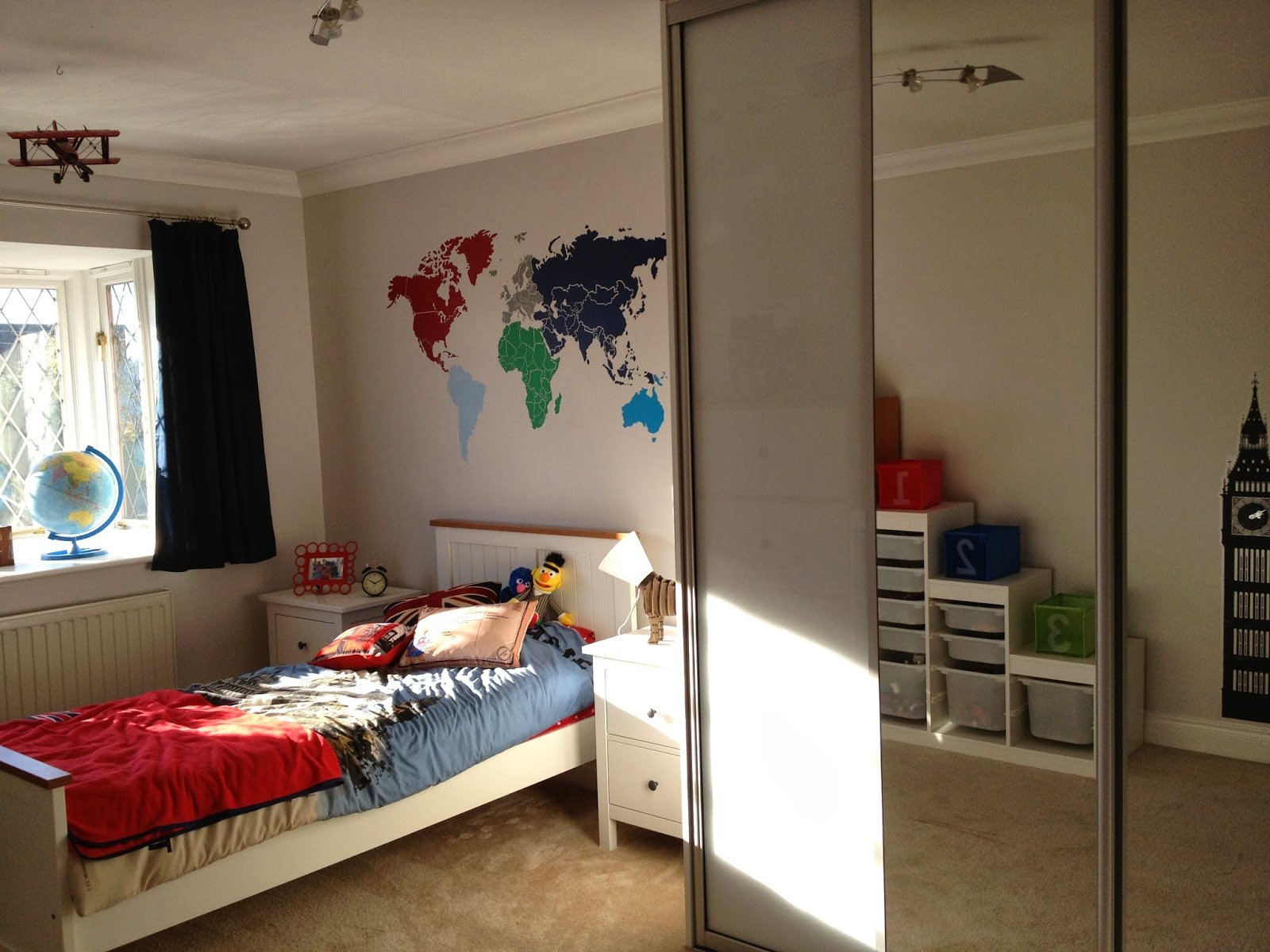 travel themed bedroom harrys travel themed boys bedroom like do 13588