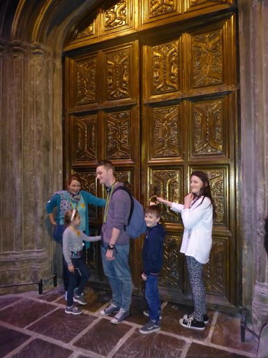 Harry potter doors to great hall