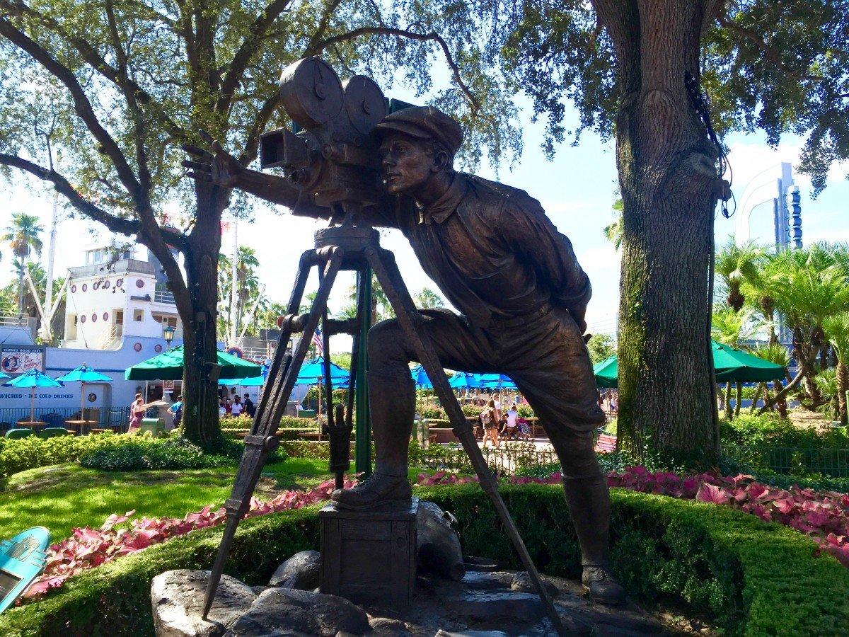 Bronze statue Hollywood Studios Walt Disney World