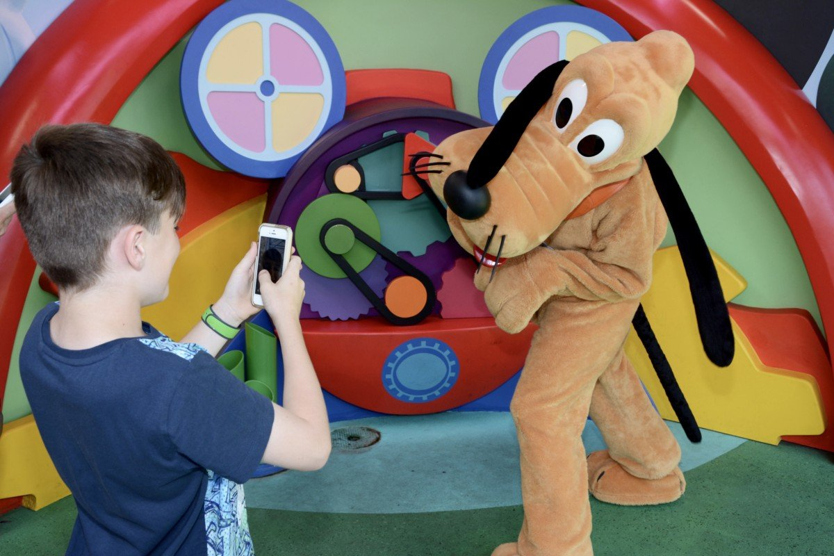 selfie with disney pluto characters