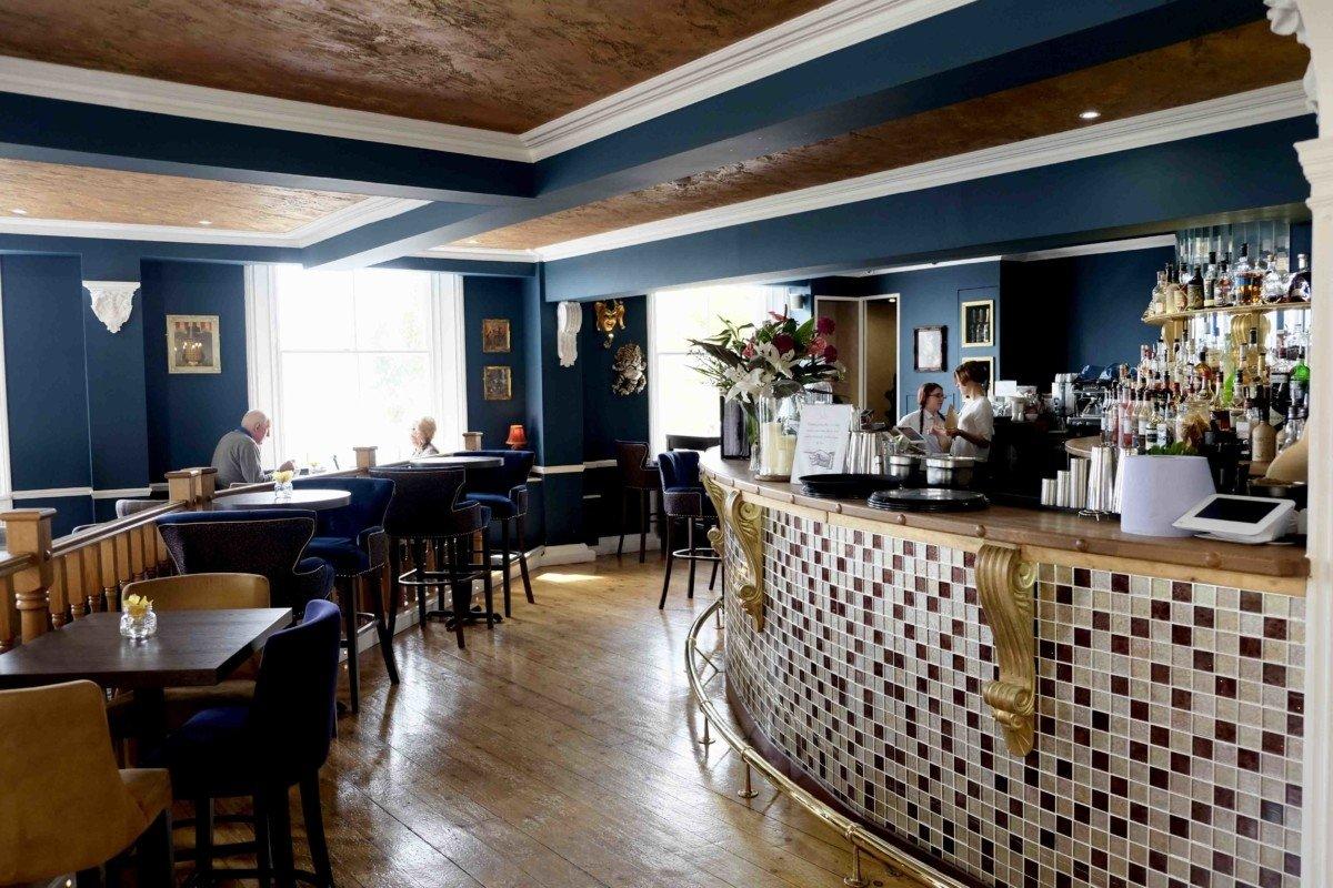 The Royal Hotel Southend bar