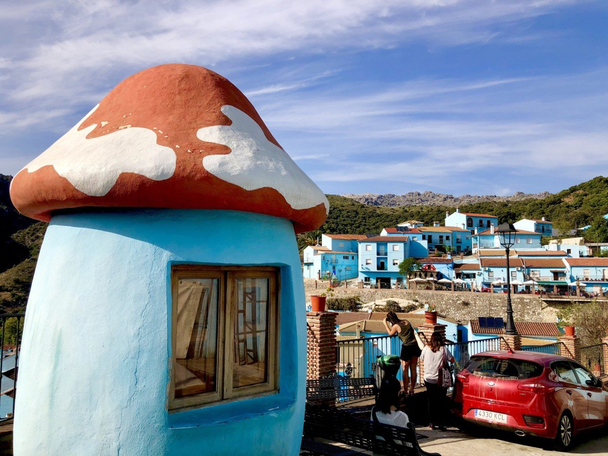 Júzcar the smurf village toadstool house