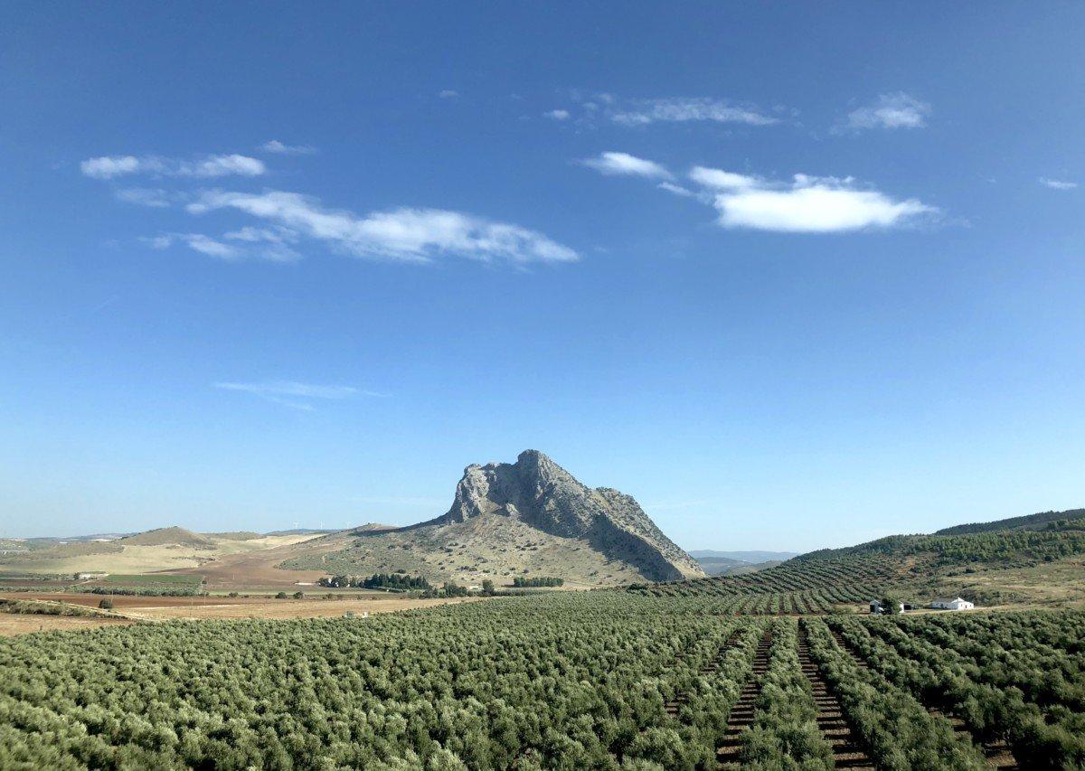 La Peña de los Enamorados. LaPeña is a huge rock in the landscape thatresembles the face of an indian man.