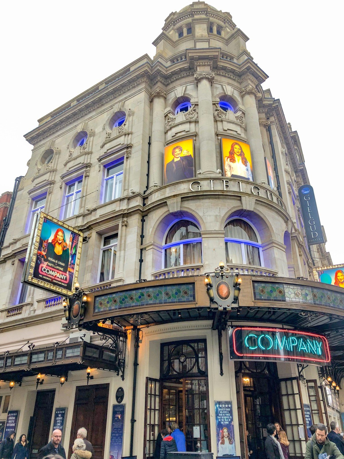 Company showing at the Gielgud Theatre, Shaftesbury Avenue in Londons Westend
