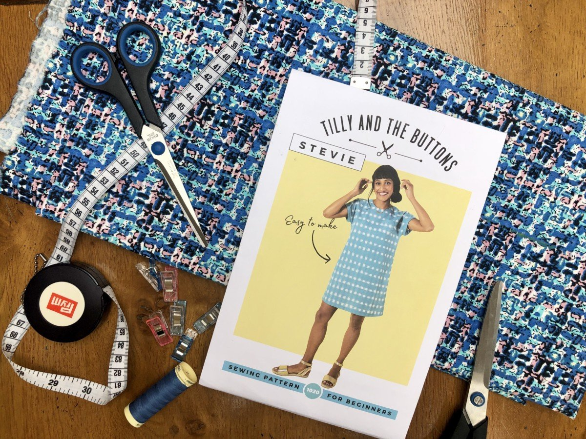 Learn to sew online. Sewing you first Stevie dress a Tilly and the Buttons pattern