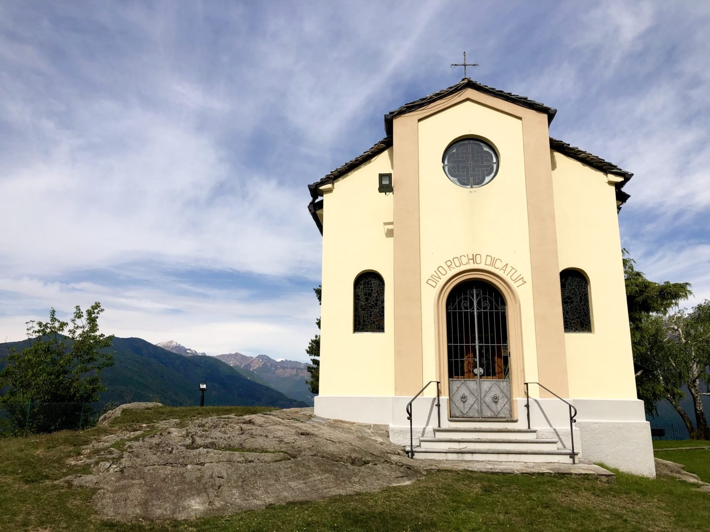 We started off just outside of Maccagno and parked up by a small church called Cheisa S Rocco