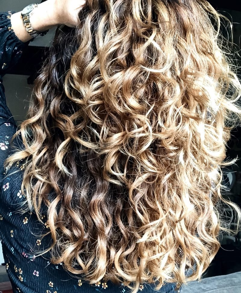 25 Ways on How to Style Naturally Curly Hair Without Heat Styling Tools