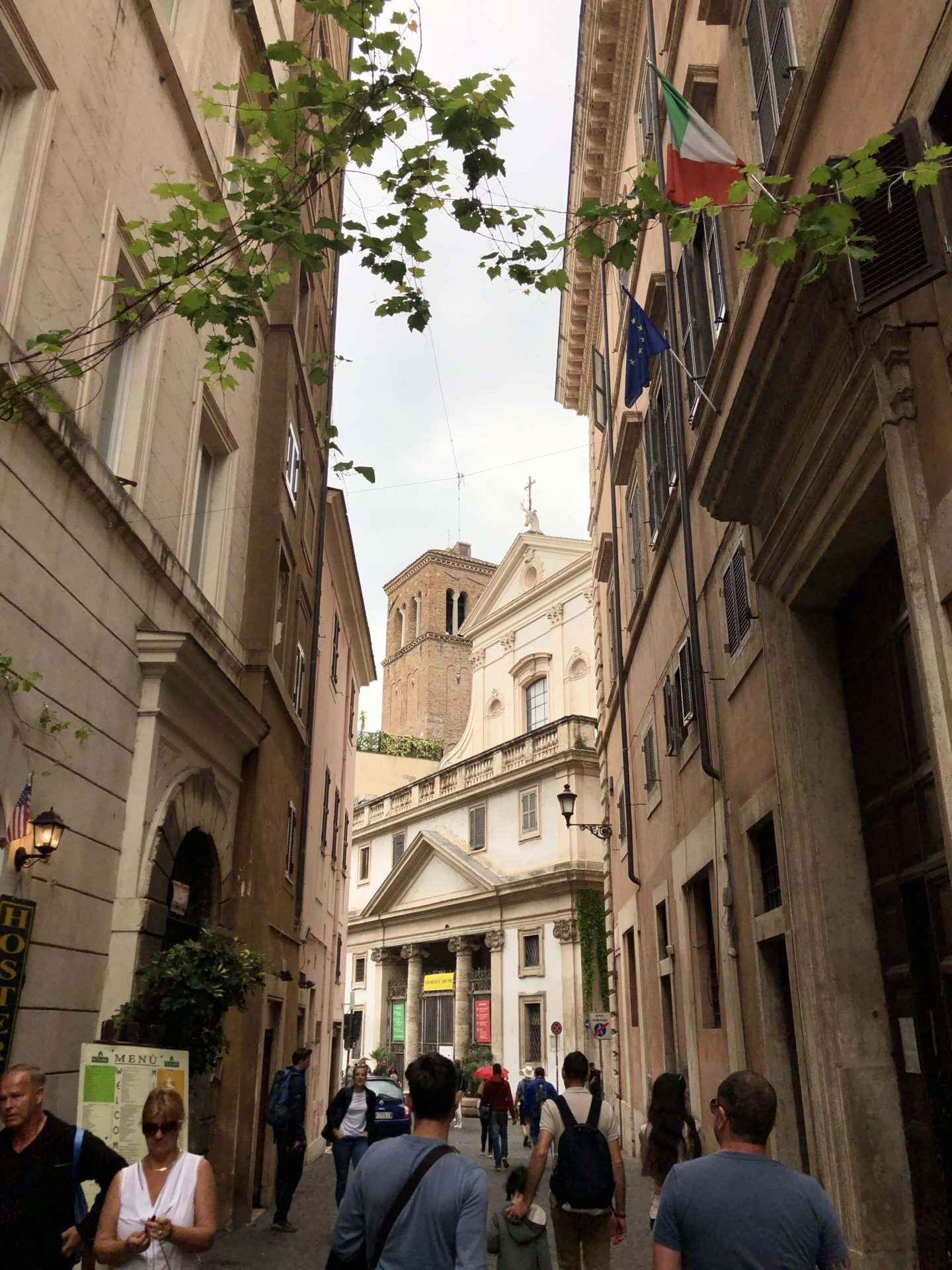 Rome is full of amazing places of interest that we all have heard of. But what about taking yourself off of the beaten track and exploring hidden parts on Rome Food Tour in the jewish Ghetto?