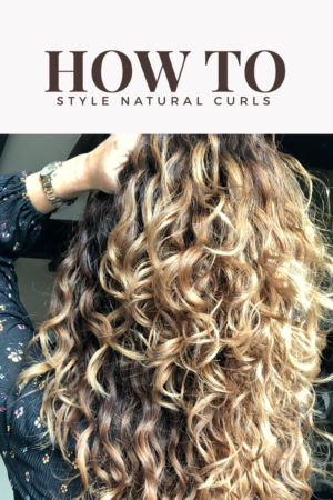 top curly hair tips for helping natural curls and waves spring back to life. How to style naturally curly hair can be easy when you know how. But many people do not know how to treat natural curls and some people want to promote a natural wave but use the wrong products. These top 25 Ways on how to style Naturally Curly Hair Without Heat Styling Tools should help you learn how to style your hair.