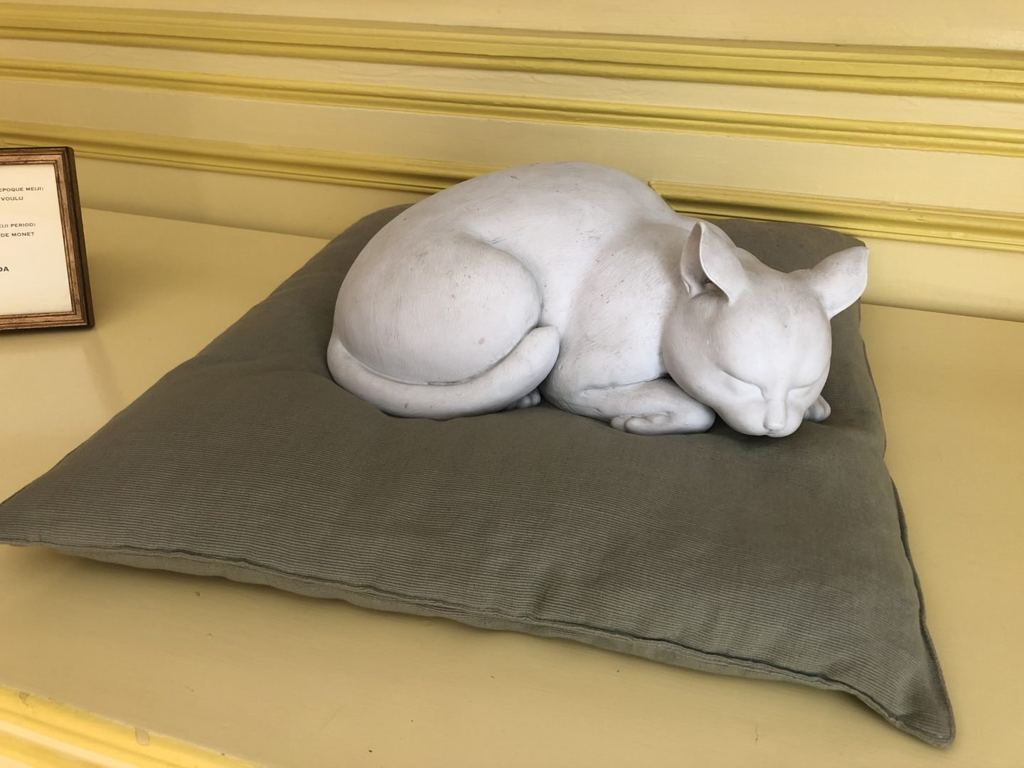 "Monet's cat, There is also a biscuitware cat ""The Japanese Cat"" that was once owned by monet in the dining room. It has kindly regained its place in the home by its previous owner Monsieur Hideyuki Wada."